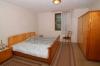 **VERKAUFT**DIETZ: Einfamilienhaus mit Gas-Heizung - Nebengebäude + Scheune mit Werkstatt + möglichem kleinen Appartement - Schlafzimmer 1 von 3
