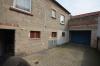**VERKAUFT**DIETZ: Zweifamilienhaus mit großer Garage, Vollkeller, Terrasse und Hofeinfahrt - Innenhof mit Garage