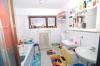**VERKAUFT**DIETZ: Vermietetes 3 Familienhaus mit 639 m² Grundstück in ruhiger Lage !! - Badezimmer im OG