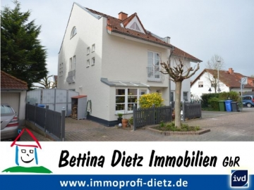 **VERKAUFT**DIETZ: Gehobene Doppelhaushälfte mit herausragender Ausstattung im schönen Familienwohngebiet in Georgenhausen!, 64354 Reinheim, Doppelhaushälfte