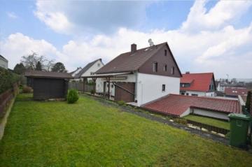 **VERKAUFT**DIETZ: Bestlage in Reinheim Gepflegtes Zweifamilienhaus mit 3 großen Garagen tolles Gartengrundstück, 64354 Reinheim, Zweifamilienhaus