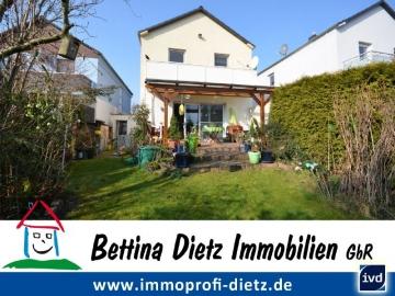 **VERKAUF**DIETZ: Schmuckes, gepflegtes Einfamilienhaus in toller Randlage von Ober-Roden, 63322 Rödermark, Einfamilienhaus