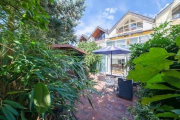 **VERKAUFT**DIETZ: Großes Einfamilienhaus mit Einliegerwohnung mit vielen Highlights und MEGA Wintergarten!, 63322 Rödermark, Reihenmittelhaus