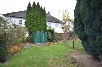 **VERKAUFT**DIETZ: Familienfreundliches Reihenmittelhaus in ruhiger Wohnlage von Rodgau-Jügesheim, 63110 Rodgau, Reihenmittelhaus