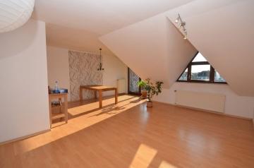 **VERKAUFT**DIETZ: Lichtdurchflutete 2-Zimmer-Eigentumswohnung mit Süd-West-Balkon in Eppertshausen, 64859 Eppertshausen, Etagenwohnung