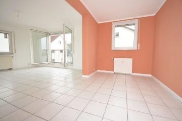 **VERKAUFT**DIETZ: 2 Zimmer ETW mit Einbauküche – Garage – Badewanne – Garten in zentraler Lage, 63322 Rödermark, Etagenwohnung